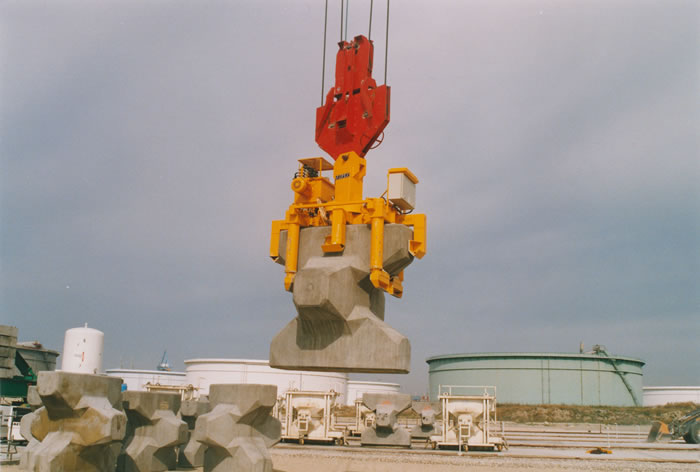Handling Of Seawalls And Breakwaters Vacuum Lifting Acimex